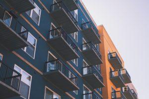 Ceny mieszkań i sytuacja na rynku nieruchomości mieszkaniowych i komercyjnych w Polsce (4Q2017)