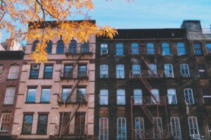 Z Portfelem w Chmurach #27: Jak dzisiaj bezpiecznie kupić mieszkanie [podcast]