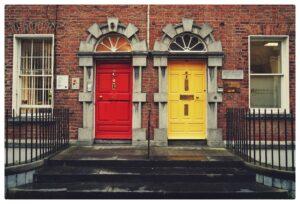 Z Portfelem w Chmurach #33: Dlaczego NIE warto inwestować w mieszkania [podcast]